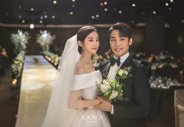 우혜림♥신민철, 결혼식 사진 공개…행복한